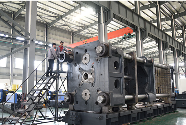 QC for plastic molding machine's assembling